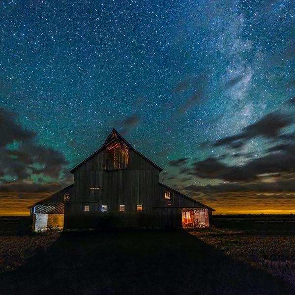 Barn under the night sky